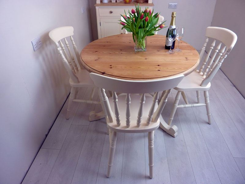 Pine Round Pedestal Table And 4 Farmhouse Chairs-Painted
