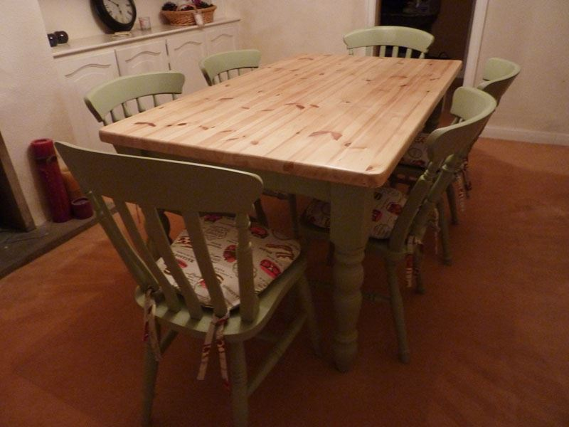 Pine farmhouse kitchen table with 6 chairs painted vintage for Kitchen table with 6 chairs