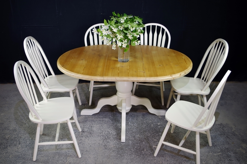 Oval pine pedestal table 6 farmhouse bow back chairs Painted Vintage Antiq