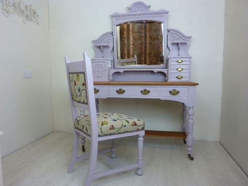 Picture of Victorian Dressing Table and Chair