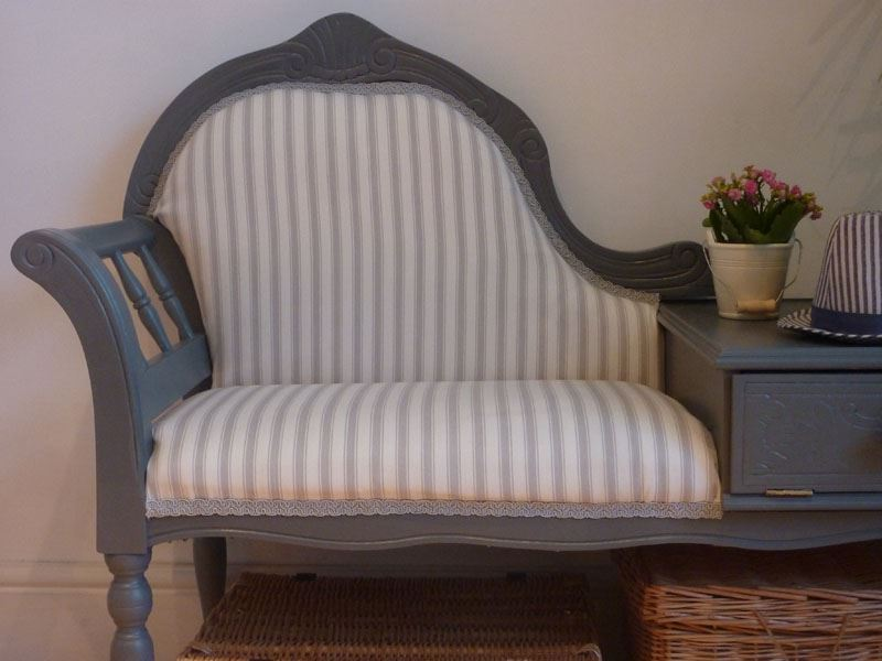 Picture Of Vintage Seat With Small Side Table Attached