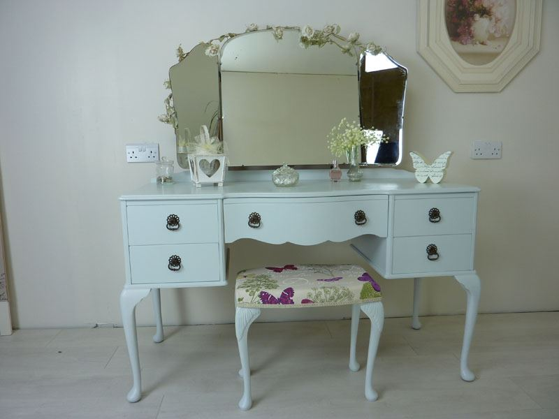Picture of Beithcraft Dressing Table and Stool