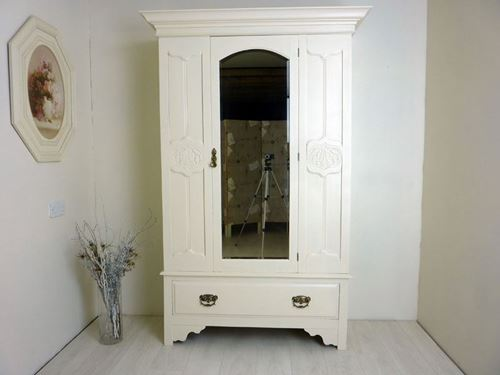 Picture of Antique Victorian Wardrobe