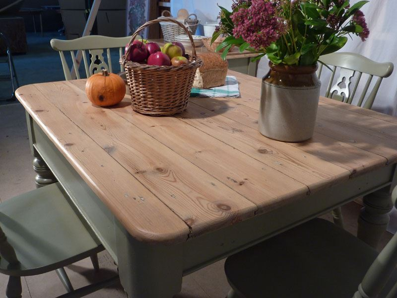 Picture Of Victorian Pine Farmhouse Table And 4 Chairs
