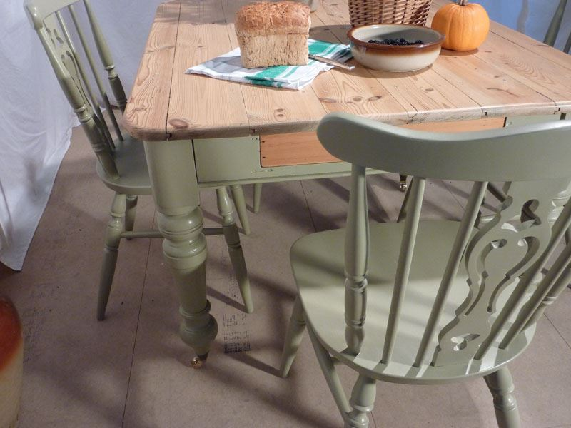 Victorian Pine Farmhouse Table and 4 Chairs Painted Vintage Antique & Fa