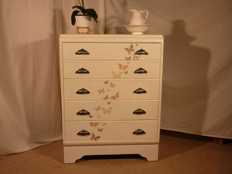 Picture of Tall 5 Drawer Vintage Chest