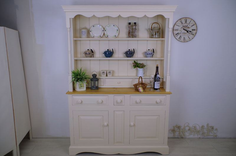 Picture of Country style Pine Dresser