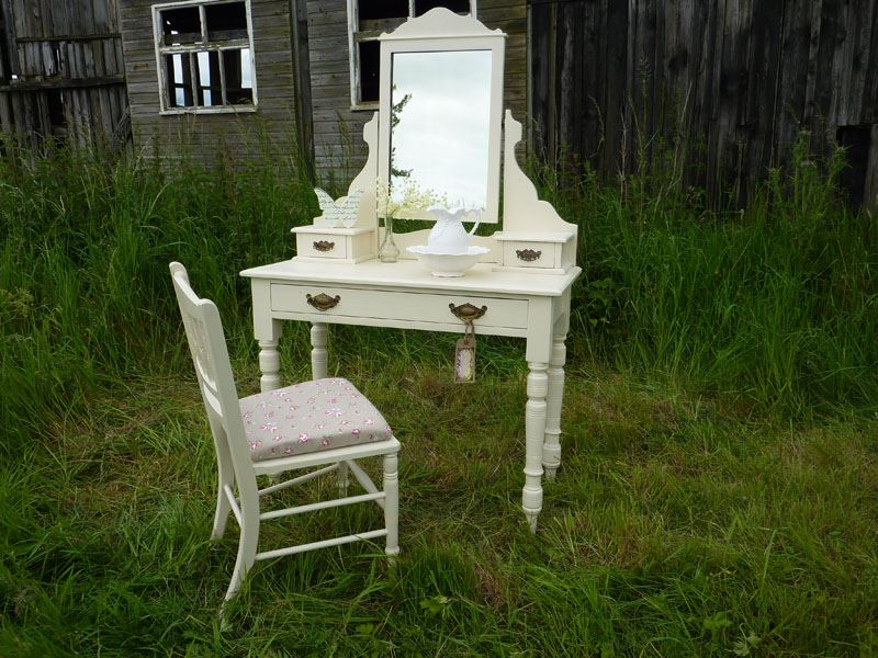 Picture Of Victorian Antique Dressing Table Chair