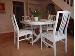 Picture of Extendable Dining Table with 4 Chairs
