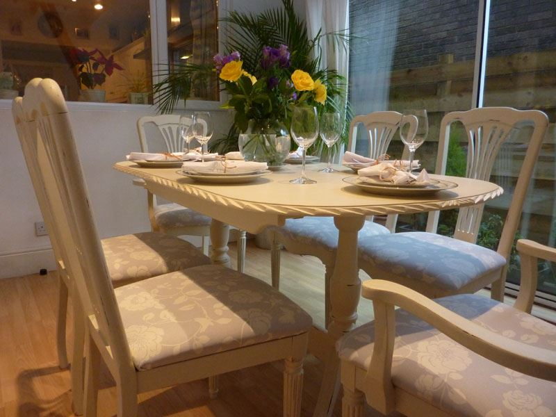 Shabby Chic Breakfast Table: Shabby Chic Extending Dining Table With 6 Chairs-Painted