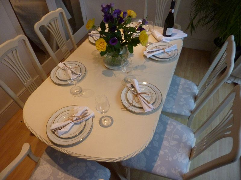 Shabby Chic Extending Dining Table With 6 Chairs Painted