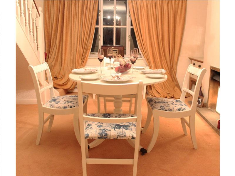 Shabby Chic Tilting Dining Table With 4 Chairs Painted