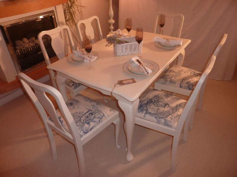 Shabby Chic Extendable Dining Table with 6 Chairs Painted  : 0006762shabby chic extendable dining table with 6 chairs from www.thefettlingfairies.com size 800 x 600 jpeg 67kB
