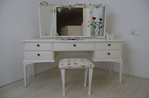 Picture of Stag Dressing Table – Birds and Blossoms