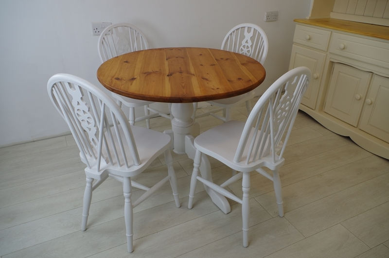 Round pine pedestal table and 4 wheelback chairs painted for Round pine coffee table