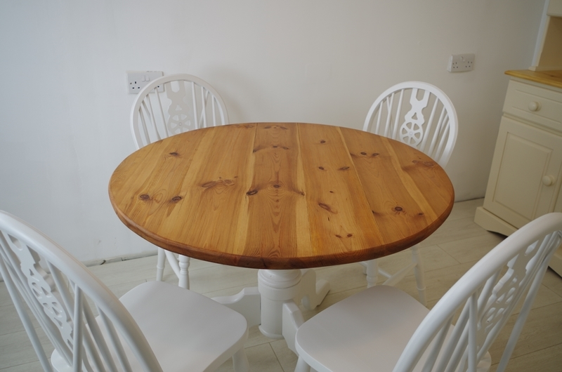 Round Pine Pedestal Table And 4 Wheelback Chairs Painted