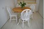 Picture of Round Pine Pedestal Table and 4 Wheelback Chairs