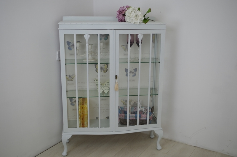 Gentil Picture Of Vintage Shabby Chic Display Cabinet