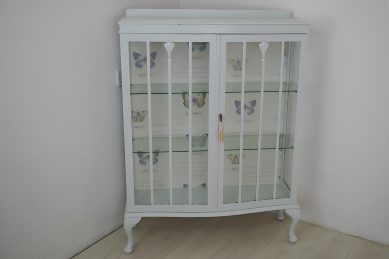 Charmant Picture Of Vintage Shabby Chic Display Cabinet
