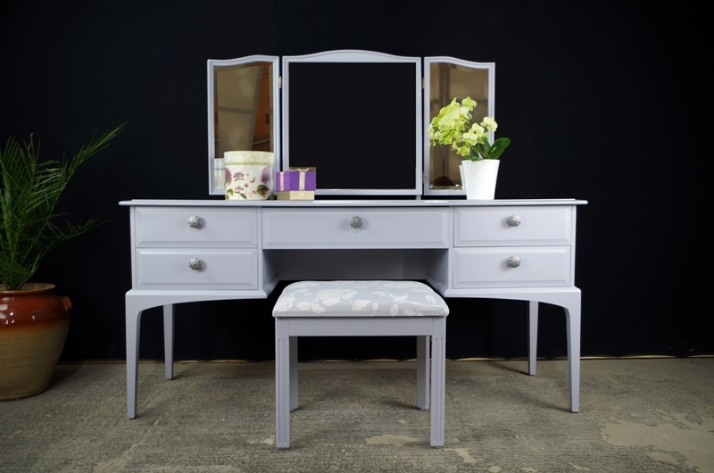 Picture of Stag Dressing Table with Stool in Parma Grey