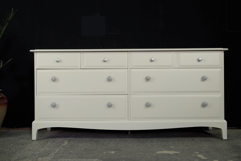 Picture of Stag Long Eight Drawer Chest
