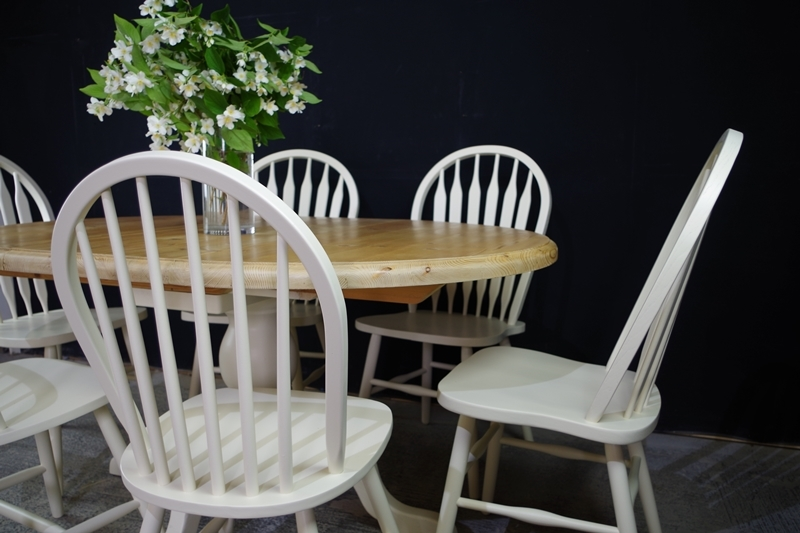 Oval Pine Pedestal Table 6 Farmhouse Bow Back Chairs