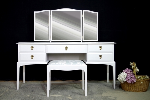 Picture of Stag Dressing Table and Stool in Blackened