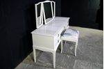 Picture of Stag Minstrel Dressing Table with Stool in Ammonite