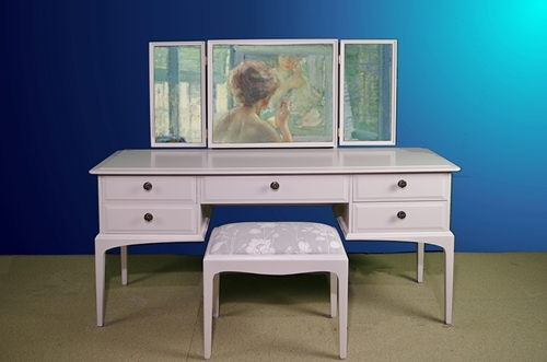 Picture of Stag Minstrel Dressing Table with Stool in Cornforth White